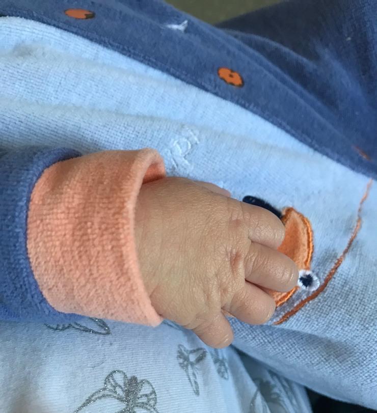 main de mon bebe