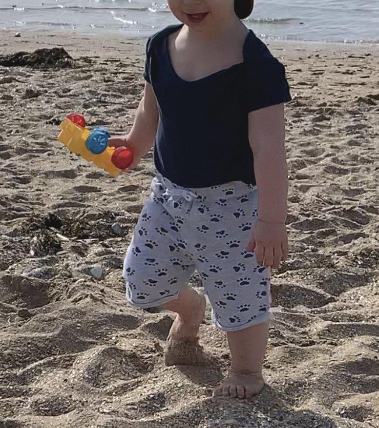 mon grand bébé à la plage
