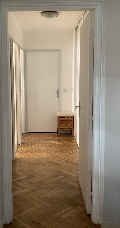 Couloir repeint en blanc